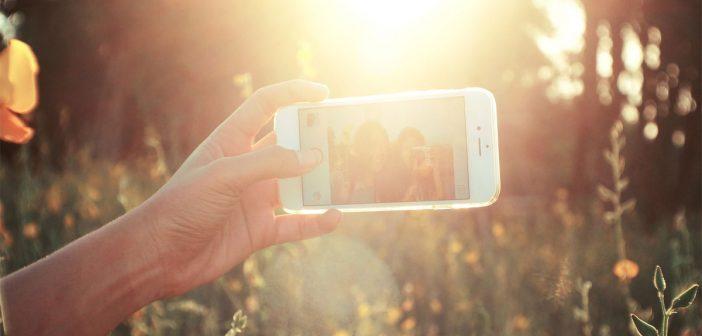 Werbung: Selfies an gefährlichen Orten